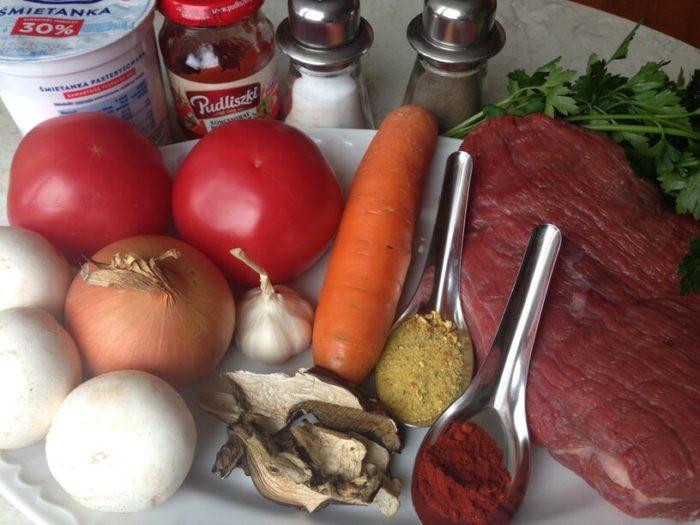 składniki na gulasz wołowy w instantpot