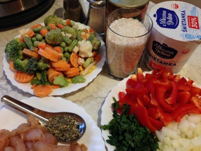 składniki na ryż z warzywami w instantpot